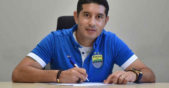 Persib Bandung Telah Resmi Perpanjang Kontrak Esteban Vizcarra
