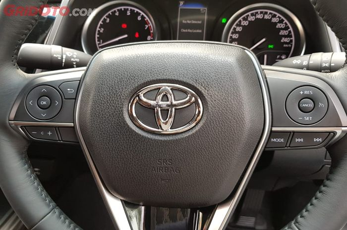 Steering Switch Button di Toyota All New Camry