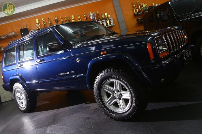Jeep Cherokee Country 2000