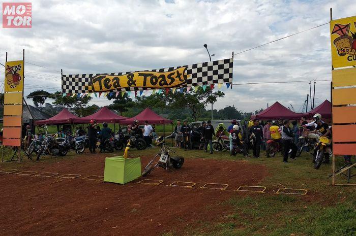 Seru motor vintage diajak balap cakar tanah di sirkuit Krukut Depok, (17/3/2019)