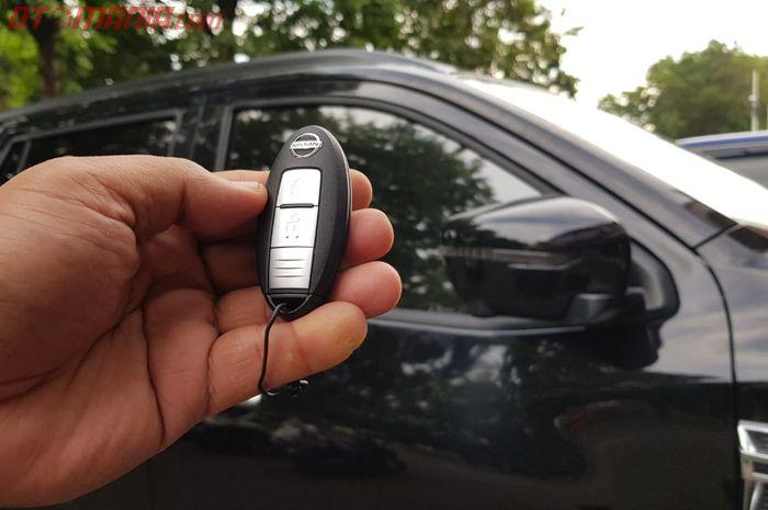 Fitur Spion  Auto Retract yang Dipasang di Nissan Terra oleh Kramat Motor