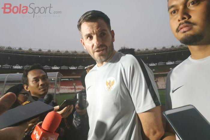 Pelatih timnas Indonesia, Simon McMenemy, di Stadion Utama Gelora Bung Karno (SUGBK), Minggu (8/9/2019).