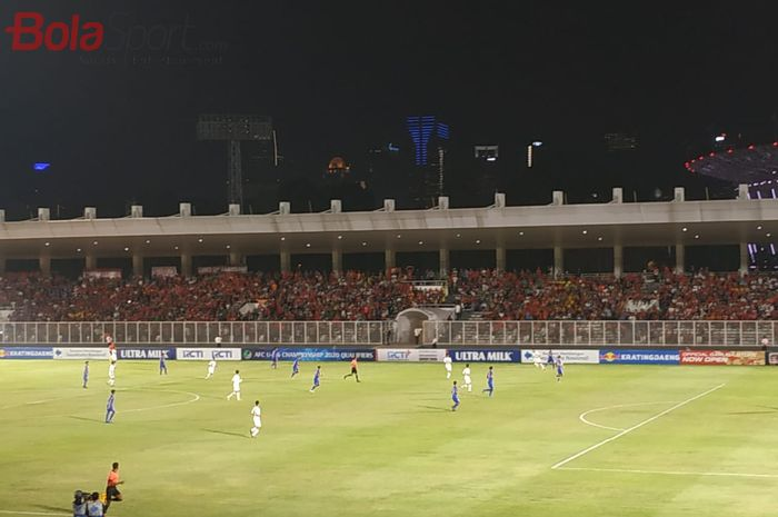 Suasana laga timnas U-16 Indonesia vs Filipina pada matchday pertama Kualifikasi Piala Asia U-16 2020 di Stadion Madya, Jakarta, Senin (16/9/2019).