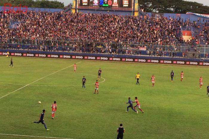 Suasana laga Arema FC vs Madura United di Stadion Kanjuruhan, Malang, dalam lanjutan Liga 1 2019, Jumat (8/11/2019).