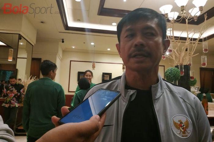 Pelatih timnas U-22 Indonesia, Indra Sjafri, di Hotel Sultan, Jakarta, Jumat (8/11/2019).