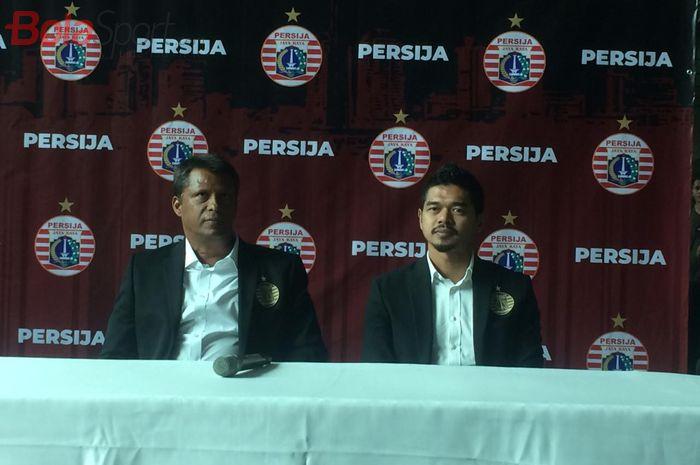 Sergio Farias dan Bambang Pamungkas saat diperkenalkan sebagai pelatih dan manajer baru Persija Jakarta, Jumat (17/1/2020).