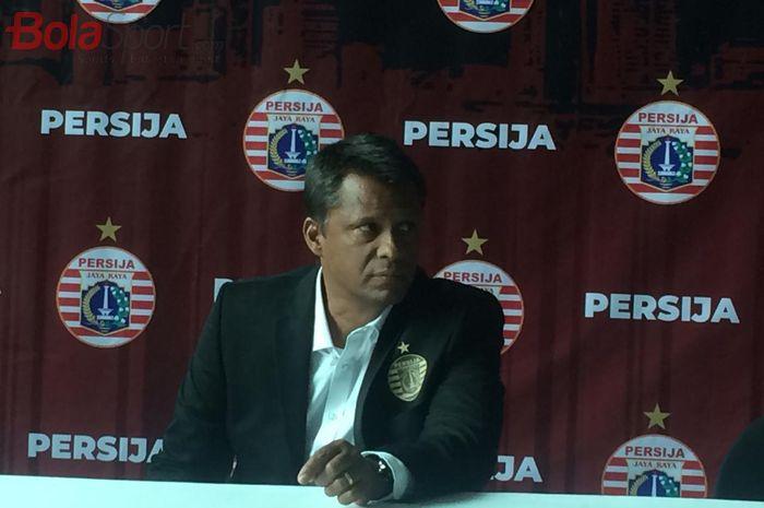 Sergio Farias saat diperkenalkan sebagai pelatih baru Persija Jakarta, Jumat (17/1/2020).
