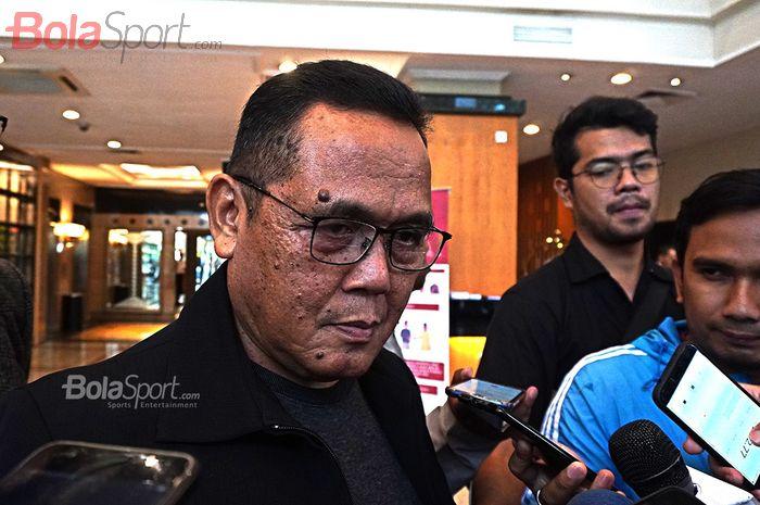 Direktur PT LIB, Cucu Somantri pada Manager Meeting Liga 1 2020, di Hotel Century, Senayan, Jakarta, Rabu (19/2/2020).
