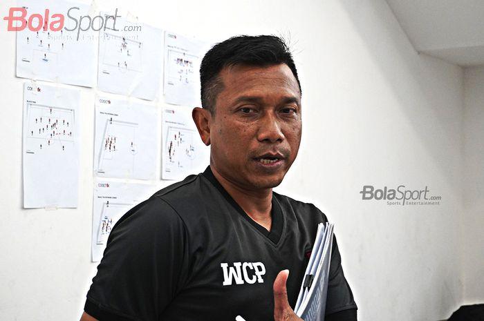 Pelatih Persita Tanggerang, Widodo Cahyono Putro, saat ditemui jelang laga uji coba melawan Timnas Senior Indonesia (21/2/2020_