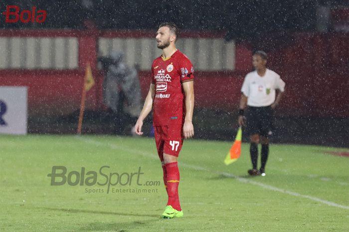 Bek asing Persija Jakarta, Marco Motta,  ketika laga Bhayangkara FC malawan Persija Jakarta di Stadion PTIK, Melawai, Jakarta Selatan (14/3/2020)