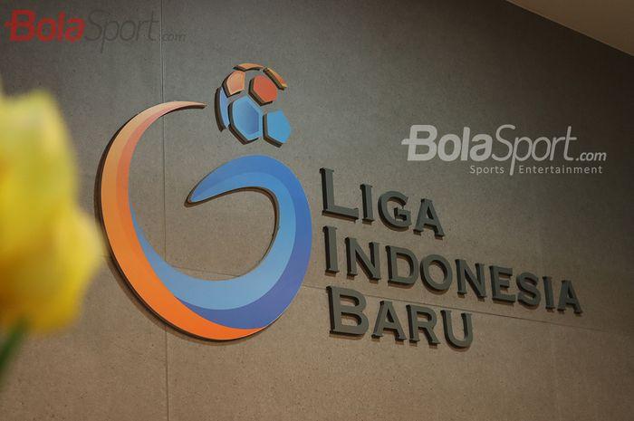 Logo PT LIB (Liga Indonesia Baru) di kantor Mandiri 2 Sudirman, Jakarta Selatan