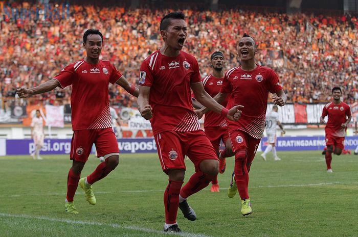 Pemain Persija Jakarta, Ismed Sofyan merayakan golnya ke gawang Bali United pada Kratingdaeng Piala Indonesia di Stadion Wibawa Mukti, Cikarang, Jawa Barat, Minggu (5/4/2019) dalam laga tersebut persija menang melawan Bali United dengan skor 1-0.