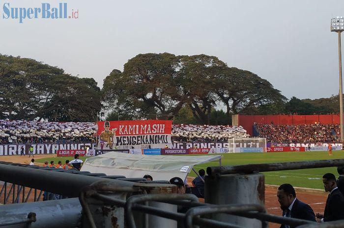 Kemeriahan laga pembuka Liga 2 2019 antara Persik Kediri Vs PSBS Biak, di Stadion Brawijaya, Kediri, Sabtu (22/6/2019).
