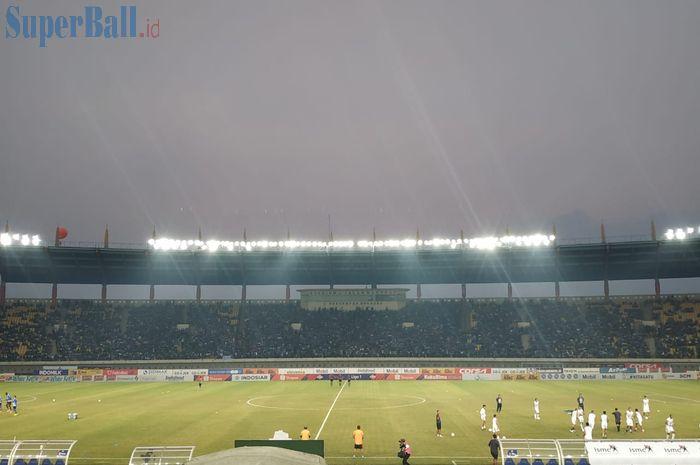Suasana pertandingan Persib Bandung vs Bali United pada pekan kesebelas Liga 1 2019 di Stadion Si Jalak Harupat, Jumat (26/7/2019).