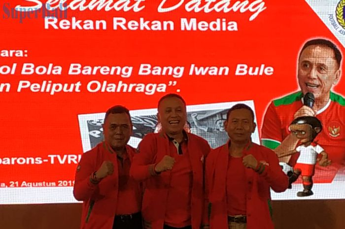 Deklarasi Calon Ketum dan Waketum PSSI, Mochamad Iriawan dan Cucu Sumantri di PSSI dalam diskusi bertajuk 'Ngobrol Bola Bareng Bang Iwan Bule' yang digelar di TVRI, Jakarta, Rabu (21/8/2019).