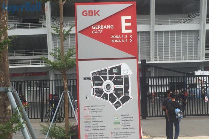 Suasana sepi di Gate E Stadion Utama Gelora Bung Karno (SUGBK), sebelum laga perdana timnas U-19 Ind