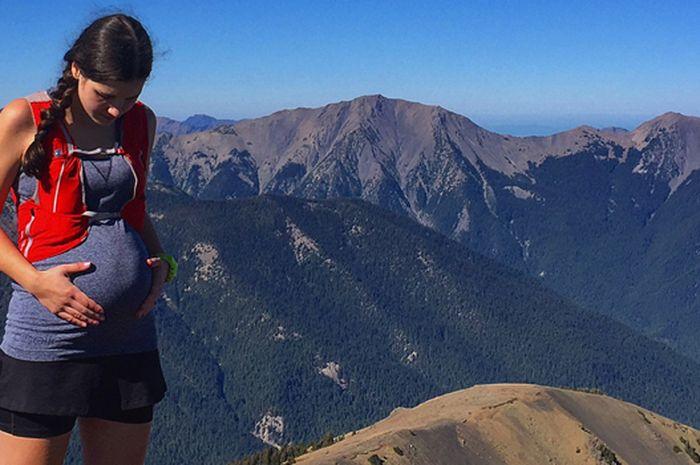 Mendaki Gunung saat Kondisi sedang Hamil, Bolehkah Moms? (ultrarunnerpodcast.com)