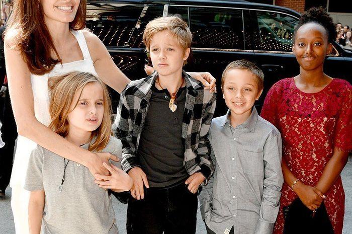 Pesan Angelina Jolie Untuk Anak Jangan Percaya Pada Film Dongeng Semua Halaman Nakita