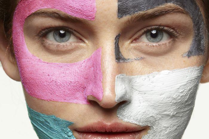 Masker untuk mencerahkan dan melembabkan kulit wajah.