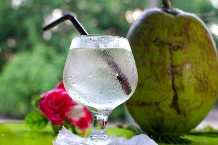 Manfaat minum air kelapa selama 15 hari.