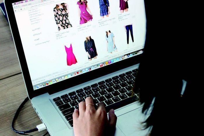 Tren Kembalikan Baju Online, Malu Pakai Baju Sama Saat Posting di Instagram