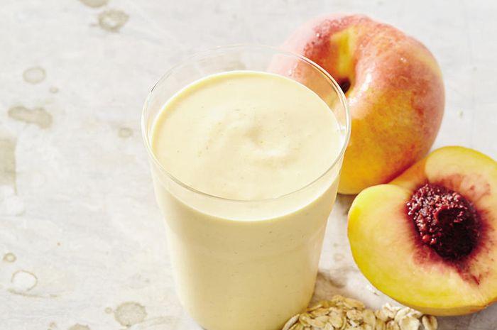 Peach and Cream Oatmeal Smoothie