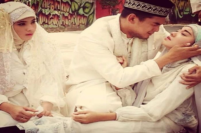 Seorang istri menghembuskan nafas terakhirnya usai sang suami menikah dengan adik kandungnya