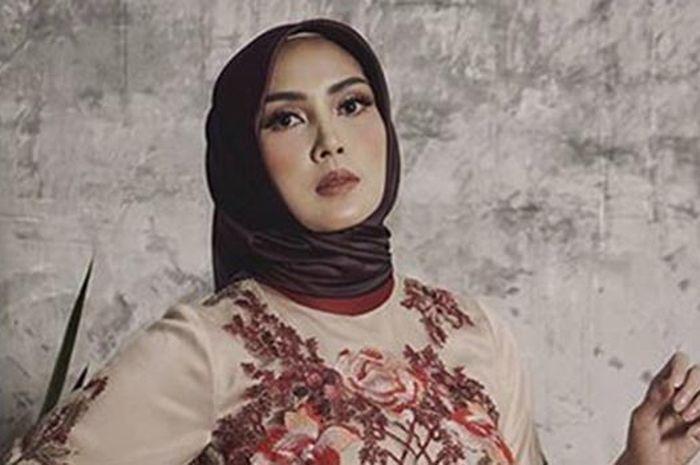 Cantik Memesona! Begini Penampilan Fenita Berhijab, Lihat Foto-fotonya (Instagram By Ayu Diah Andari)