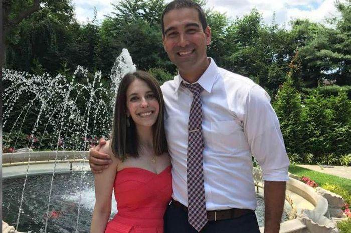 Danny Rios memutuskan untuk menggelar pertunangan dan pernikahan di hari yang sama dengan kekasihnya Nicole Rios