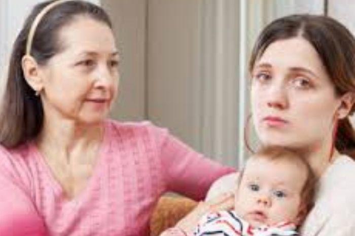 Cara menyamakan persepsi mengasuh anak dengan ibu mertua