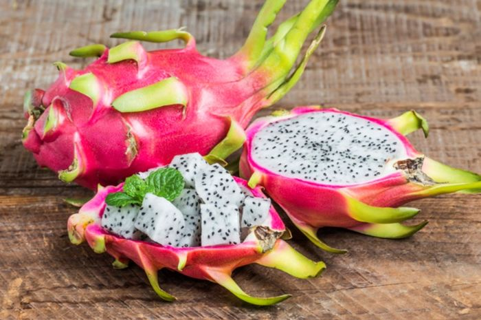 Manfaat mengonsumsi buah naga