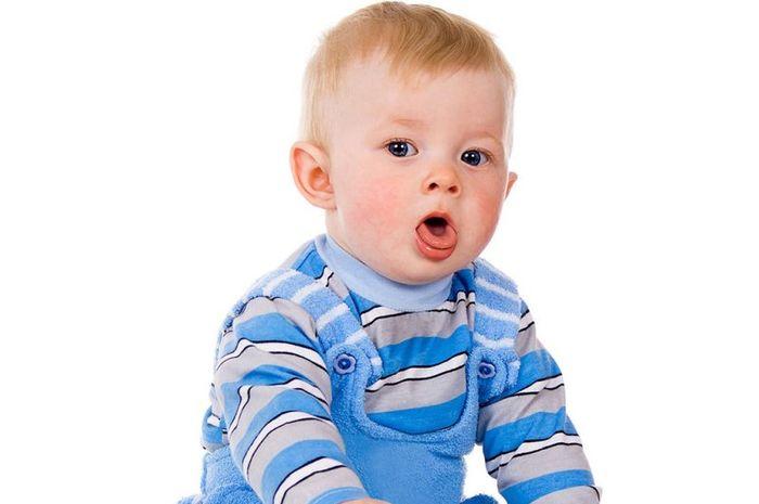 Mengobati batuk pada anak secara alami