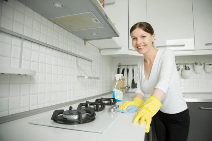 Trik agar rumah tetap bersih dan rapi (Yanalya/Freepik)