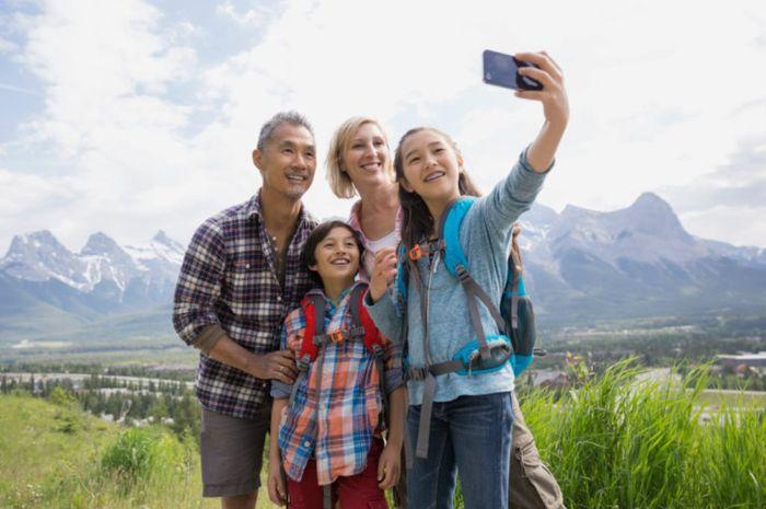Siapkan barang-barang penting yang harus dibawa agar perjalanan wisata keluarga tidak terganggu.