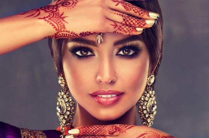 Cantik dan 'Flawless', Ternyata Ini 5 Rahasia Kecantika Orang India!