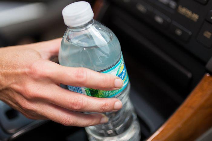 Klarifikasi BPOM tentang bahaya air kemasan