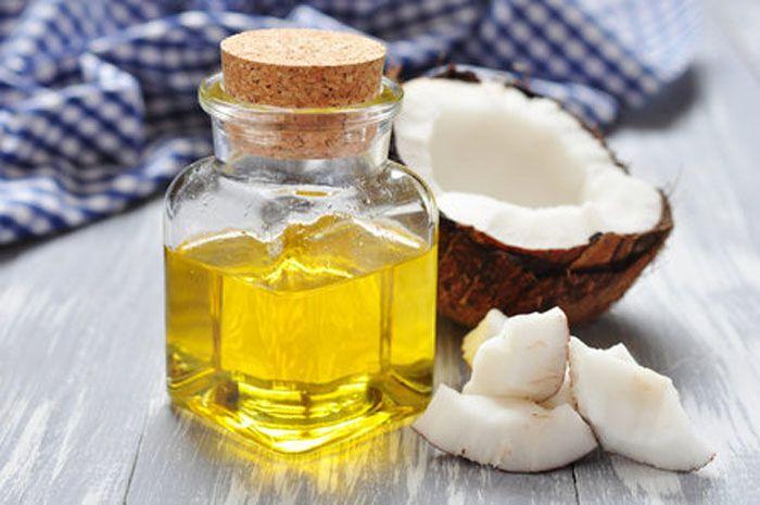 Keajaiban minyak kelapa bisa Moms dapatkan