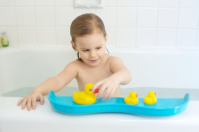 Bahaya mainan pendamping mandi