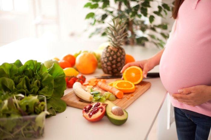 Manfaat makan buah saat hamil