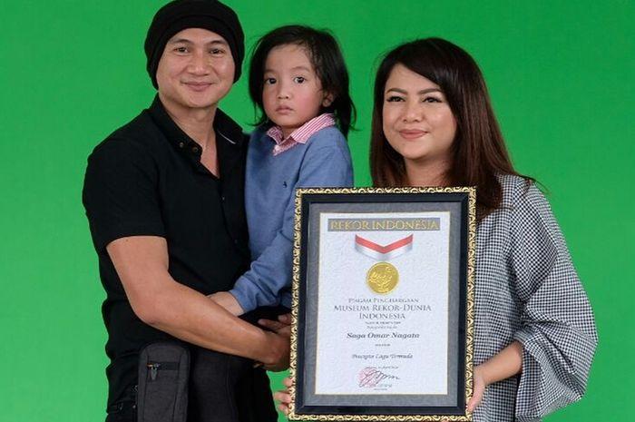Saga, pencipta 'Telur Dadar' meraih penghargaan MURI sebagai pencipta lagu termuda