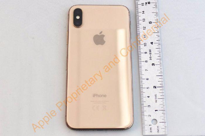 Sebuah dokumen yang diajukan Apple ke Federal Communications Commission (FCC), berisi desain iPhone X versi emas yang sejauh ini belum dirilis.