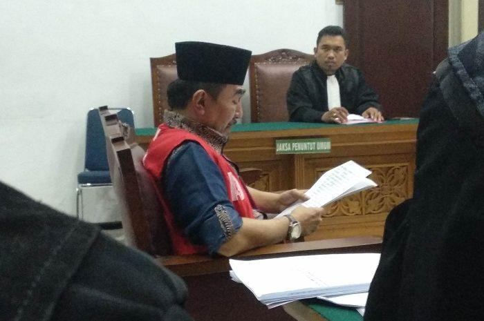 Gatot Brajamusti saat dijumpai Grid.ID di Pengadilan Negeri Jakarta Selatan. Gatot Brajamusti menangis saat diberikan kesempatan untuk membacakan nota pembelaannya, Selasa (17/4/2018)