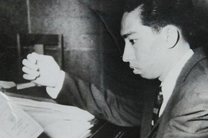 Mochtar Embut, pengarang lagu Kasih Ibu yang tetap menjomblo hingga akhir hayatnya.