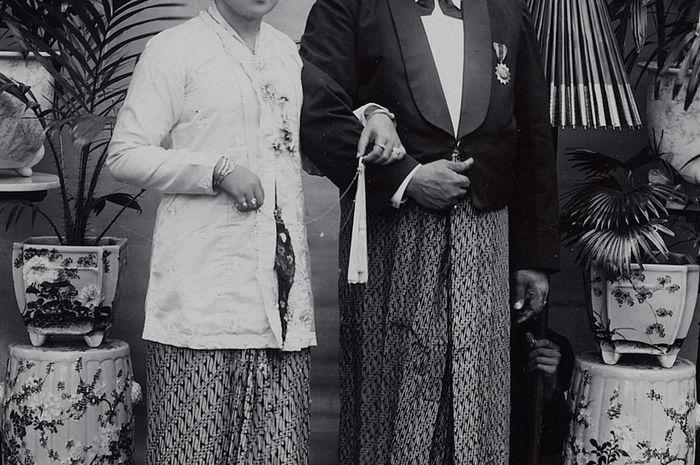 RA Kartini bersama suaminya, Bupati Rembang.