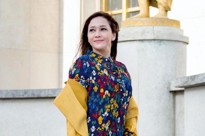 Maia Estianty tampil memikat dengan gaya makeup tak biasa