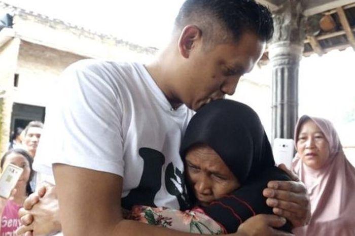 Andre Kuik bertemu ibu aslinya setelah berpisah 40 tahun