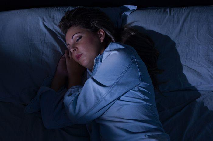 Tidur dengan lampu menyala berbahaya bagi kesehatan.