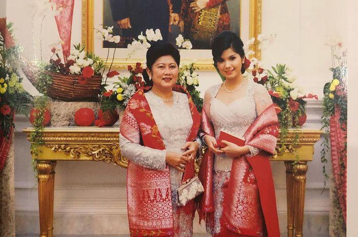 Penampilan anggun Annisa Pohan dan Ani Yudhoyono 10 Tahun lalu saat kompak kenakan songket Padang