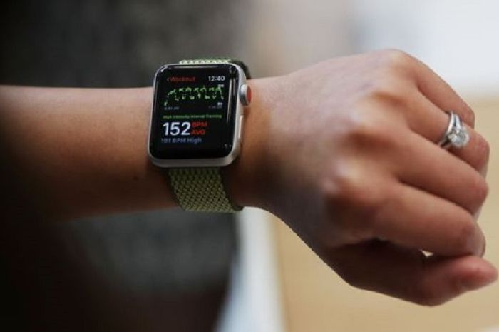 Apple Watch Menjadi Sarana Baru Siswa Untuk Mencontek Di Ujian