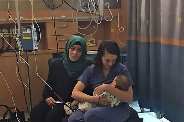 Ketika perawat Yahudi menyusui bayi Palestina yang ibunya kecelakaan